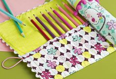 It can be hard keeping track of all your paintbrushes, crochet hooks and knitting needles. This is where this handy roll-up craft tidy comes in, perfect for beginners and really easy to make!
