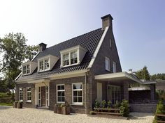 Classic house with country flair - Style Architectural Architecture Résidentielle, Classical Architecture, Style At Home, Dutch House, Dream House Exterior, House Exteriors, City Living, Classic House, Classic Style
