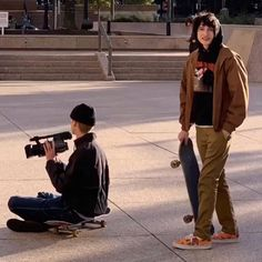 Today, skate dress is for that reason customary in popular way of life, that'd it look like uses for those to don. Aesthetic Grunge, Aesthetic Photo, Pretty Boys, Cute Boys, Sup Girl, Estilo Grunge, Teenage Dirtbag, Vetement Fashion, Skater Boys
