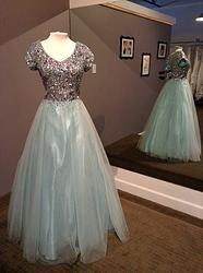 Modest prom dress   Pretty dresses   Pinterest   Prom dresses, The ...