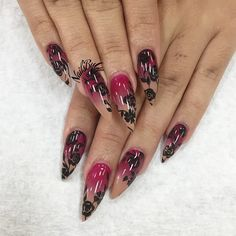 Pink to nude with roses stiletto nails
