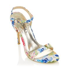 Pretty floral heels Floral Heels, Ankle Strap, Fashion Beauty, Sandals, Pretty, Stuff To Buy, Shoes, Shoes Sandals, Zapatos