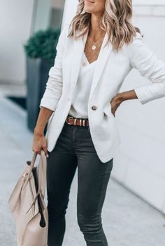 casual outfits for women - casual outfits . casual outfits for winter . casual outfits for women . casual outfits for work . casual outfits for school . Trajes Business Casual, Cute Business Casual, Business Casual Dresses, Casual Work Outfits, Mode Outfits, Work Casual, White Blazer Outfits, White Jacket Outfit, Classy Casual