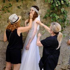 Un momento di backstage dall'ultima campagna Wedding in Tuscany.... @pinellapassaro @fotografiafashionstudio @sandralovisco