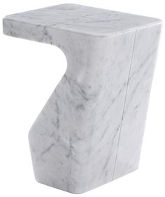 Stump (Low marble coffee table, design by Pierre Charpin. Ligne Roset)