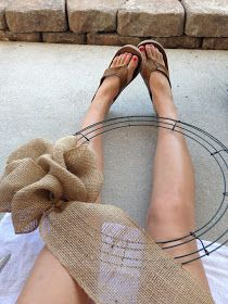 Easy to follow tutorial for a burlap wreath -