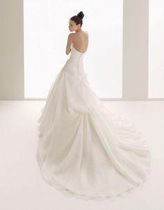 Fashionable strapless dropped waist organza wedding dress