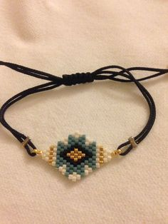 Brick Stitch, Beading Patterns, Beadwork, Diy And Crafts, Crochet Necklace, Projects To Try, Beaded Bracelets, Beads, Handmade