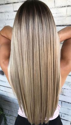Best Balayage Ombre Hair Colors for Long Hairstyles in 2018 Wanna make your long hair looks more attractive and cool than ever? No need to search any more technique, you just have to check out our best ombre hair color shades for long hair to show off rig Hair Color Shades, Ombre Hair Color, Cool Hair Color, Blonde Ombre Hair, Blond Hair Colors, Light Hair Colors, Cute Hair Colors, Hair Colour, Hair Color Ideas For Brunettes Balayage