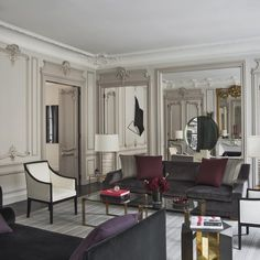 Parisian Interior Design: 16 Images of Chic Paris Apartments & Style Rooms Decoration, Room Decor, Elle Decor, Home Living Room, Living Spaces, Style At Home, French Interior, Interior Design, Gold Interior