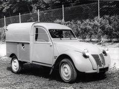 Citroën 2CV AZU. (bestel eend), jaartal niet vermeld.