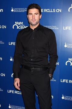 Brody Jenner is sexy and always has been - the perfect man candy for Man Candy Mondays!He's ripped with some killer abs, has the perfect smile, and wears a suit in a way that makes us want to get to know him. Elegant Casual Men, Men Casual, Perfect Smile, Perfect Man, Brody Jenner Shirtless, Man Candy Monday, Jenner Photos, Colorful Candy, Love To Meet