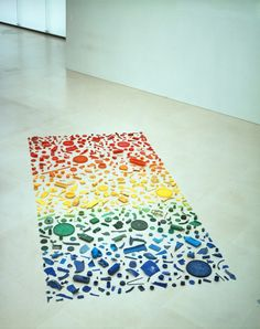 www.samaryounes.com  Tony Cragg Sculpture 'spectrum' (1979) Found Objects arranged by colour.   Nice Group  school project