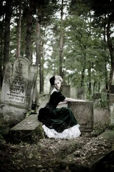 images of graveyard photo shoots | 11 Ethereal Cemetery Editorials - From Graveyard Photo Shoots to ...