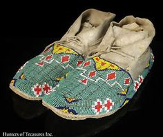 Native American Plains Cheyenne Fully Beaded Moccasins---1800-1900