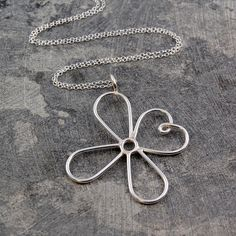 Wire Flower Necklace Silver