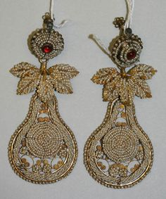 India   Earrings; gold, pearls and stones   ca. 1810