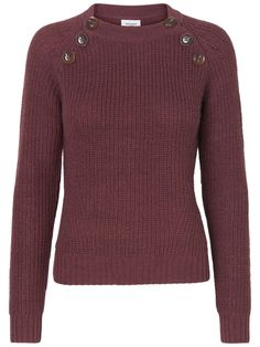 It's knit season. Match this VERO MODA sweater with jeans and ankle boots.