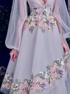 Meet the gowns you grow up dreaming about in Al Fahim's Haute Couture collection. Her hand-painted florals, ribbon embroidery, and layer upon layer … Evening Dresses, Prom Dresses, Formal Dresses, Wedding Dresses, Runway Fashion, High Fashion, Fashion Pics, Fashion Photo, Fashion Fashion