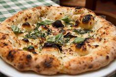 La pizza più antica. La Mastunicola di Franco Pepe, antica pizzeria a Caiazzo