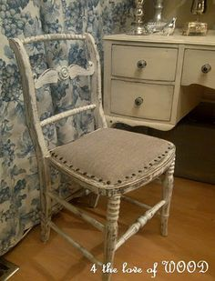 diy to one of my chairs/luv large upholstery tacs
