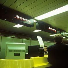 insegne luminose Aeroporti di Linate e Malpensa - biglietterie British Airways