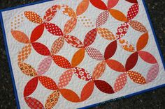 Another Idea for Kids Quilt Small Quilts, Mini Quilts, Baby Quilts, Circle Quilts, Quilt Blocks, Heart Quilts, Elizabeth Hartman Quilts, Orange Quilt, Two Color Quilts