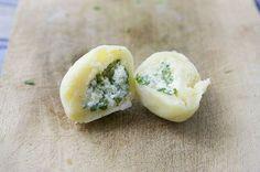 Gefüllte Gnocchi sind einfach himmlisch. Hier sind sie gefüllt mit Rucola und Ricotta.