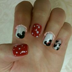 Disney nails. Minnie mouse, mickey mouse nails. Disneyworld. #PreciousPhanNails