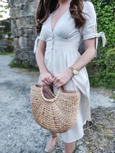 Vintage Linen Dress - Easter in Galicia Vintage Linen, Easter Dress, Linen Dresses, Feminine, My Style, Bags, Outfits, Accessories, Beautiful