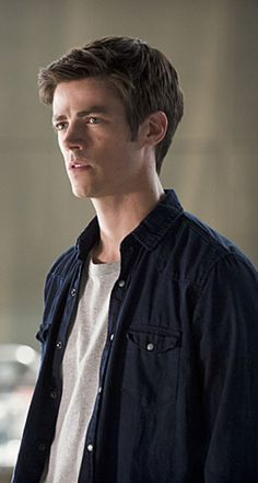 The Flash 2x01 - The Man Who Saved Central City - Barry Allen
