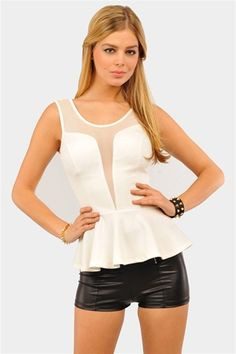 Peplum Top Sassy Girl, Next Clothes, Diva Fashion, New Fashion, Fashion Beauty, Style Guides, Leather Shorts, Passion For Fashion, Peplum