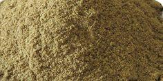 Coriandolo Semi Polvere Pura La polvere è molto delicata, può essere utilizzata in notevoli quantità, a cucchiai, per bilanciare altre spezie che si dosano a cucchiaini da caffè. Insieme ad aglio, peperoncino, chiodo di garofano e cumino, si adatta perfettamente a piatti di carne e zuppe di verdura e dà vivacità ai piatti di pesce. Può essere impiegato nella preparazione di salumi, per insaporisce carne, pesce e verdure, per aromatizzare birre e biscotti.