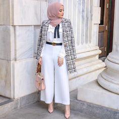 5 Times Omaya Zein Gave Us Wardrobe Envy - Hijab Fashion Inspiration Modest Fashion Hijab, Modesty Fashion, Casual Hijab Outfit, Modern Hijab Fashion, Hijab Chic, Mode Abaya, Mode Hijab, Mode Turban, Hijab Trends