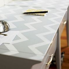 chevron painted desk top. I really need to try this.