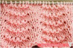 Oi gente. O ponto ondas é um ponto muito bonito e fácil de tecer que pode ser utilizado em vestidos, roupas de bebê, ou barras. Quando ...