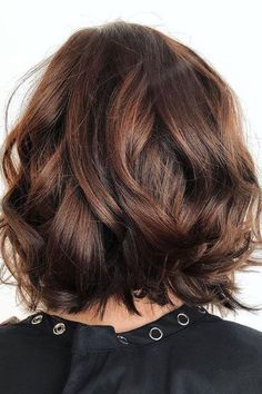 Root Beer Hair Is Trending & Brunettes Everywhere Are Fizzing With Excitement: Chocolate-Auburn Bob
