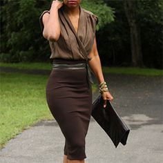 DIY Quick and Easy High Waisted Pencil Skirt / brown / work outfit / office Fashion Mode, Work Fashion, Womens Fashion, Office Fashion, Mode Chic, Mode Style, High Waisted Pencil Skirt, Pencil Skirt Outfits, Pencil Skirt Black