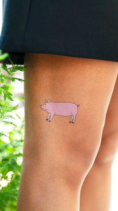 "I spent too many years of my life believing that ""this little piggy went to market"" meant that it went to get groceries. Circle Tattoos, This Little Piggy, Of My Life, Animal, Animaux, Animals, Animales"