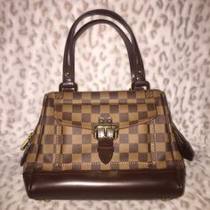 Authentic Louis Vuitton Knightsbridge Authentic. In great condition, no scratches or marks on the leather or interior. Size - length 10 inches, height 10 inches and depth 6 inches. No dust bag Louis Vuitton Bags Satchels