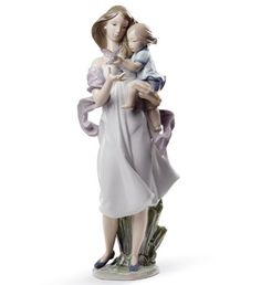 #08715 LOOK MOMMY! Lladro from Spain Montinas celebrating Mother's Day http://lladro.stores.yahoo.net/