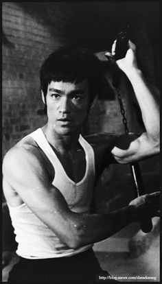 Return Of The Dragon, Way Of The Dragon, Bruce Lee Quotes, Brandon Lee, People Poses, Martial Artist, Jackie Chan, Film Director, Kung Fu