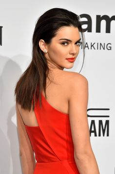 Kendall Jenner matched her red hot dress to her bold red lips—this is such a glam makeup look for prom