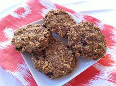 Easy Oat Cookies. Healthy enough for breakfast and delicious enough for dessert!