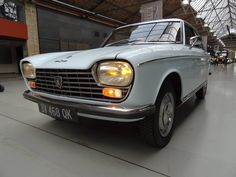 Peugeot 204 Coupe.