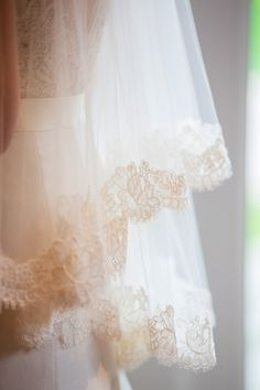 that #veil ! Berkshires Wedding from Karen Wise Photography  Read more - http://www.stylemepretty.com/2013/08/19/berkshires-wedding-from-karen-wise-photography/