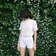 99 Simple and Fashionable Style with White Shorts Outfit - Fashionetter Style Outfits, Short Outfits, Cute Outfits, Fashion Outfits, Korean Fashion Summer, Asian Fashion, Ulzzang Fashion, Ulzzang Girl, Short Branco
