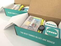 Learn how to create a new hire kit to onboard your employees and welcome them to your team. See how the startup Boxed created their kit and used custom stickers. Welcome New Employee, Good Employee, Employee Gifts, Onboarding New Employees, Box Regalo, Company Swag, Company Gifts, Employee Handbook, Swag Ideas