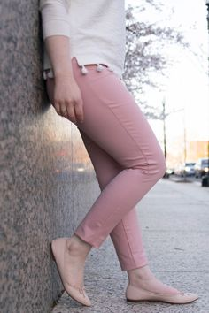 Using Pantone\'s Color of the Year to Figure Out My Colors | Something Good | A DC Style Blog on a Budget, @danaerinw , old navy pixie pants, j.crew factory top, j.crew ballet flats, women\'s shoes, shoes, spring styles, summer style, work style, office appropriate, work wear, style, fashion #style #fashion #womensfashion #womensstyle #summerstyle #springfashion #millennialpink