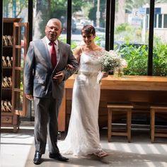Pura felicidade! Nossa noivinha Vivi Veloso. Wedding Dress Atelier Carla Gaspar